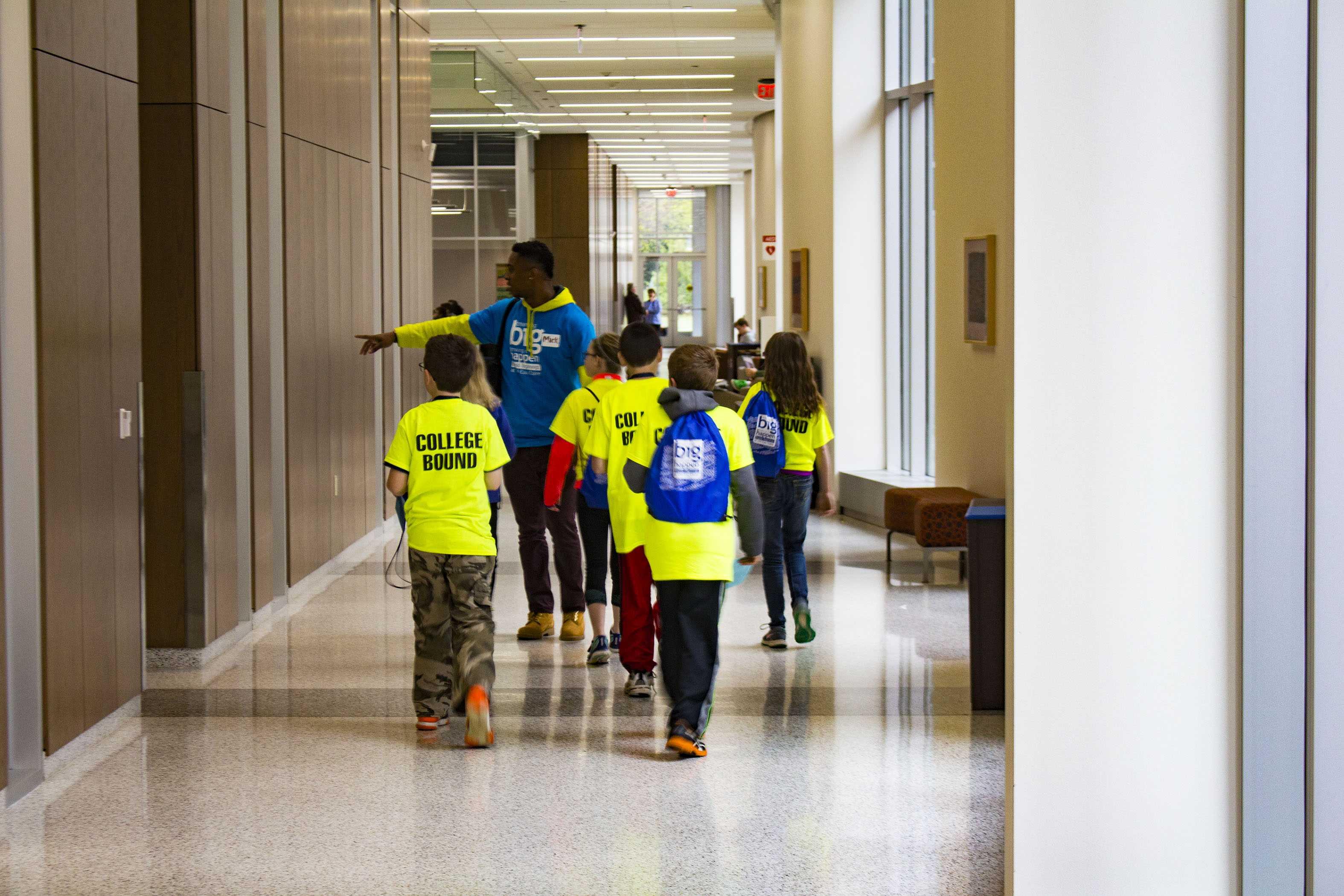 Blugold Beginnings hosts Fifth-Grade Campus Tour